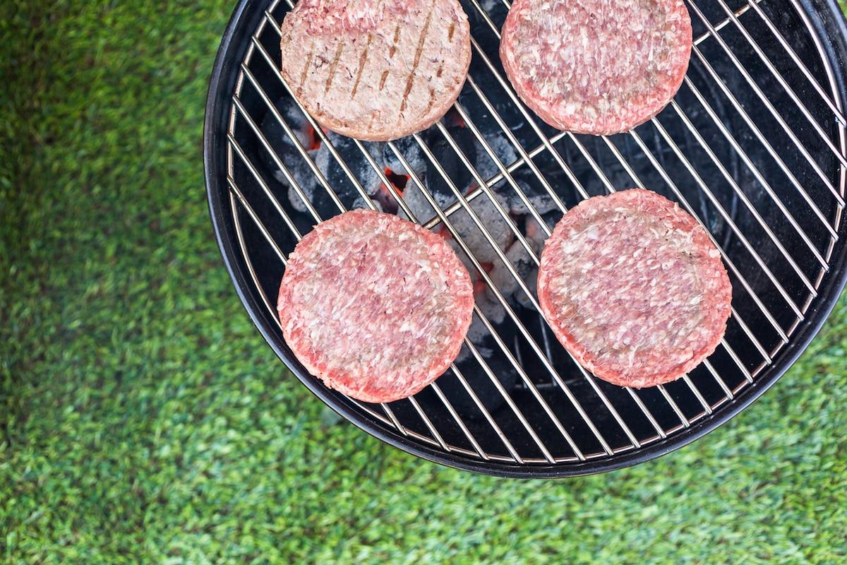 Charcoal Vs. Gas Grill: BBQ Showdown