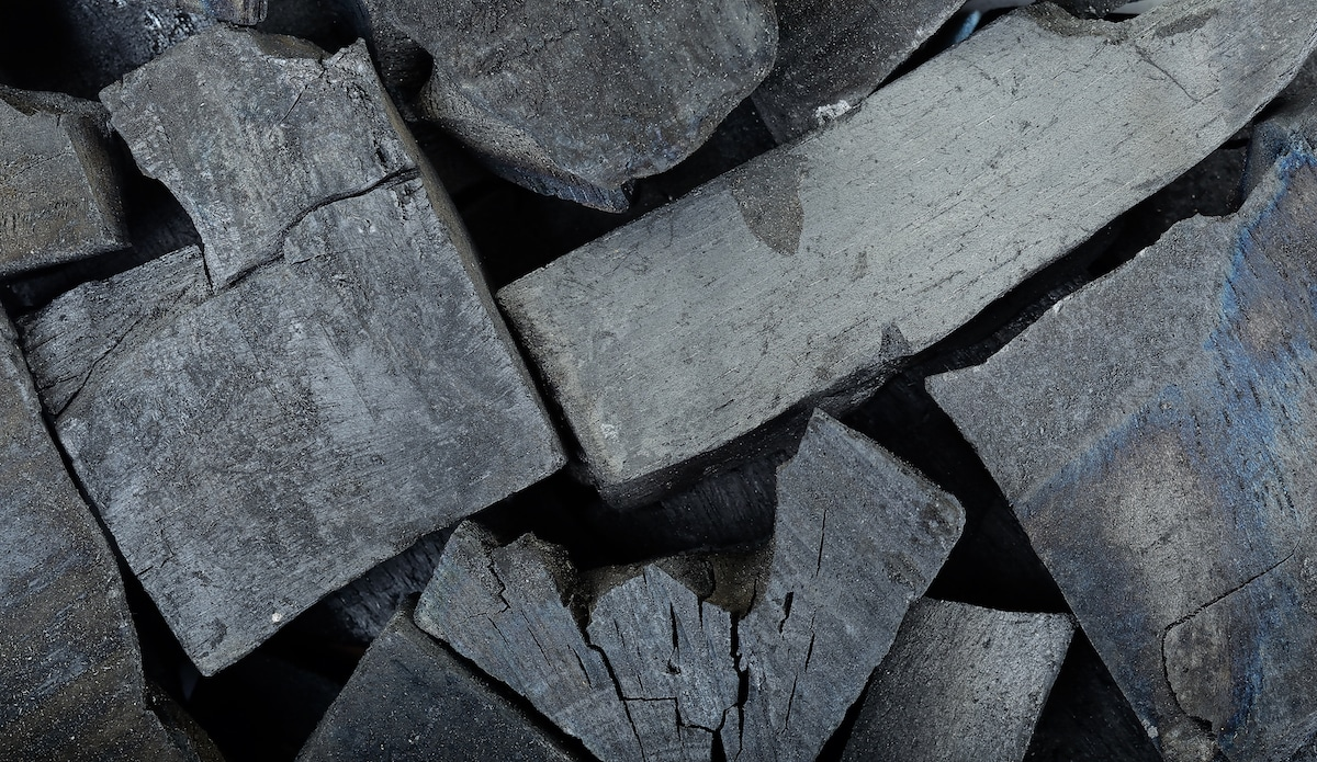 Lump Charcoal Vs. Briquettes: BBQ Showdown