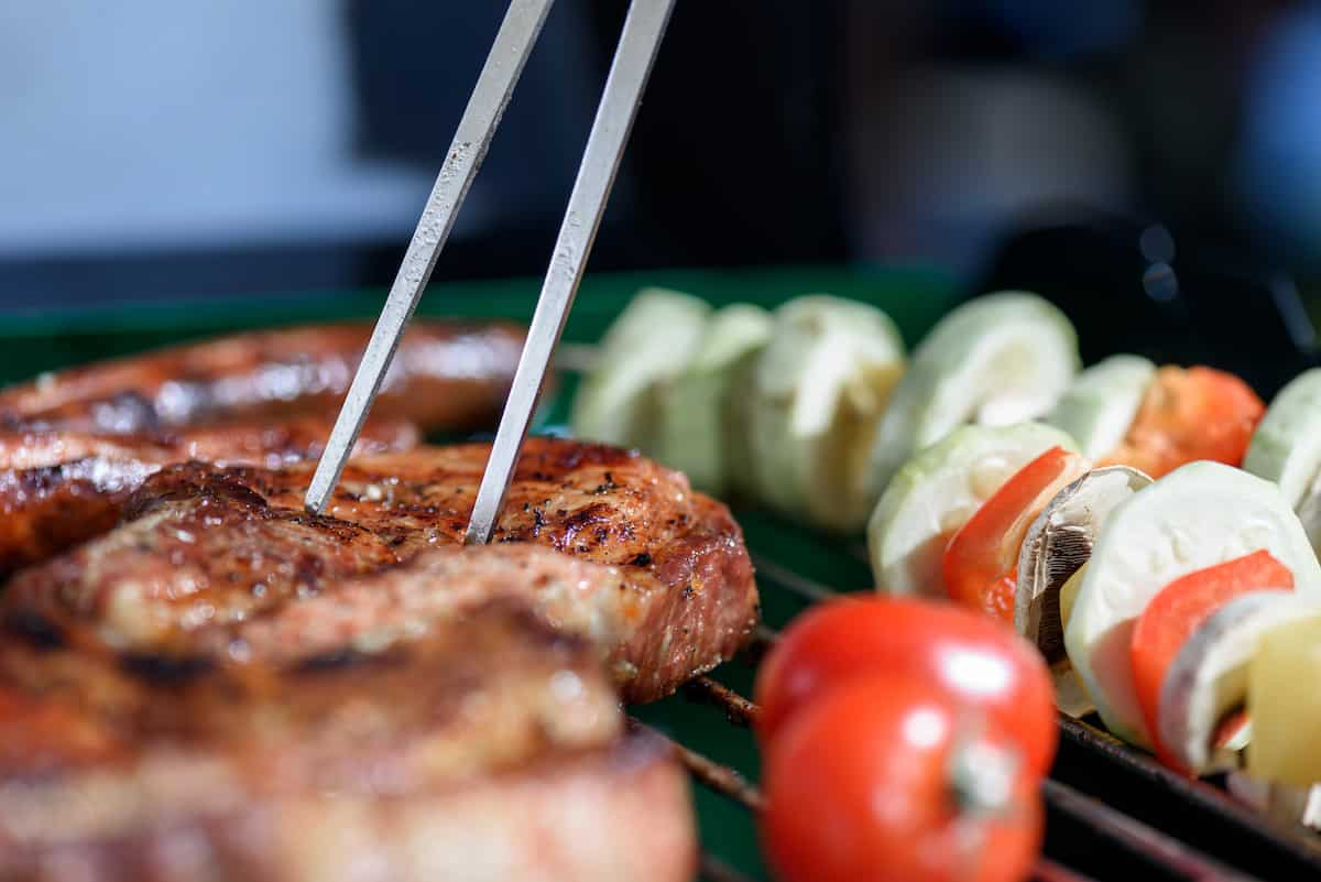 Having A Party? Here's How Much Barbecue Per Person