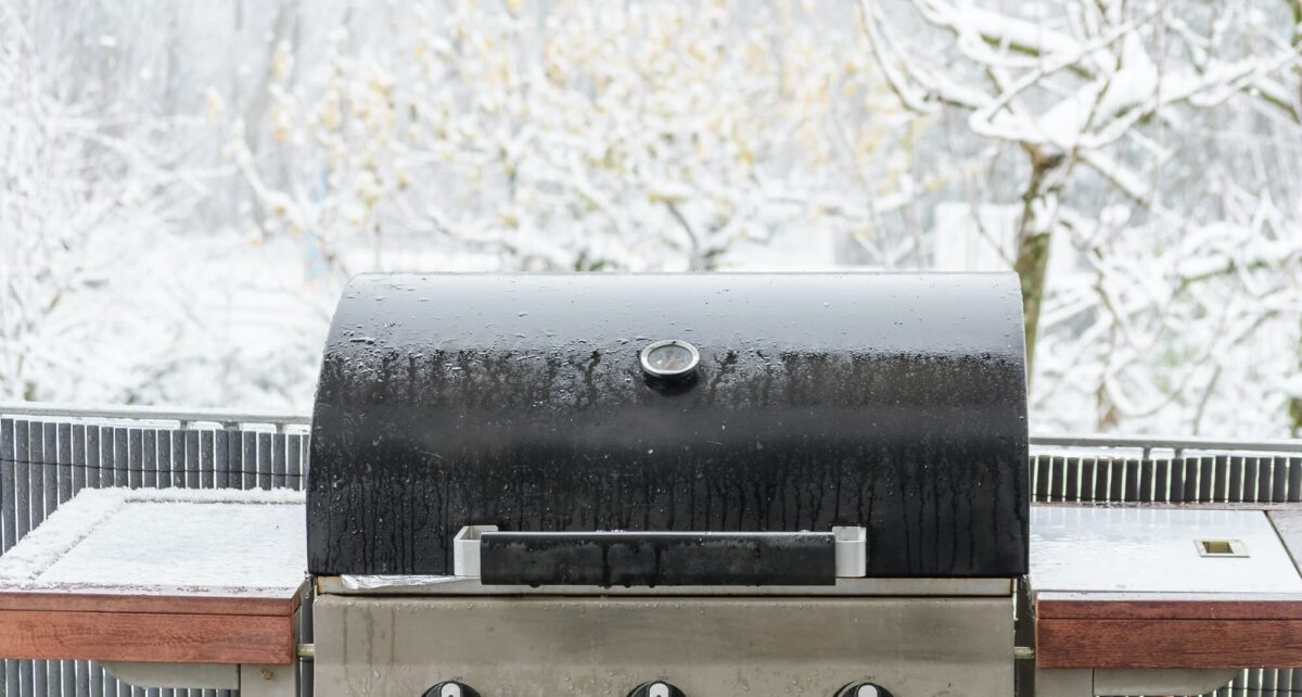 BBQ In Winter? Tips For Cold Weather Grilling